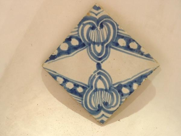 faience, vieille tomette ancienne
