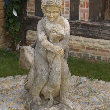 Statue chérubin et le cygne