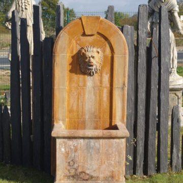 fontaine murale résine fronton lion