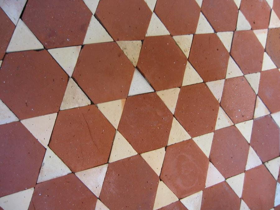 Antique terracotta hexagon diamonds tiles for Carrelage ancien terre cuite