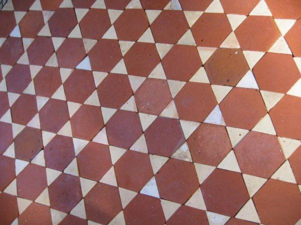 Carrelage Ancien Hexagonal en Terre Cuite avec navettes blanches