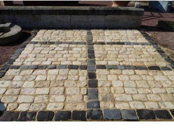 Pavés calcaire et basalte