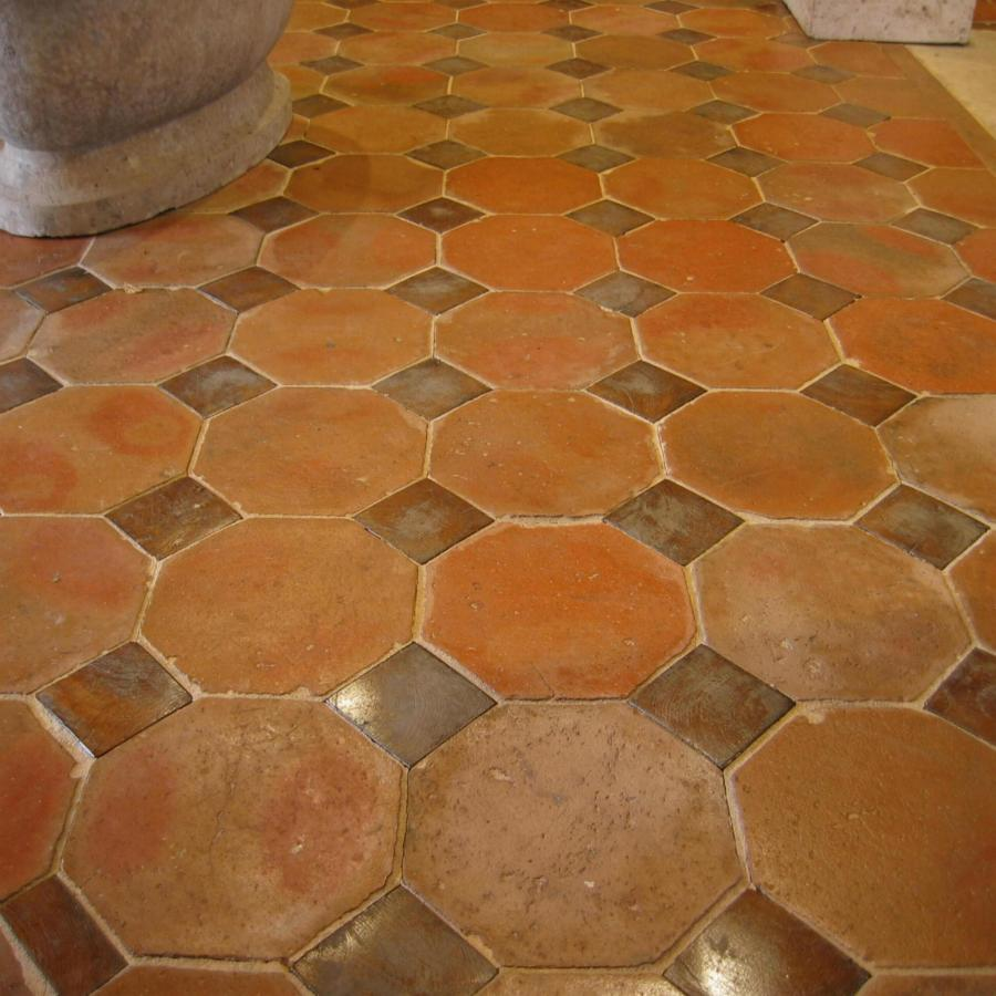 Octagonal tiles with oak inserts for Ancien carrelage ciment