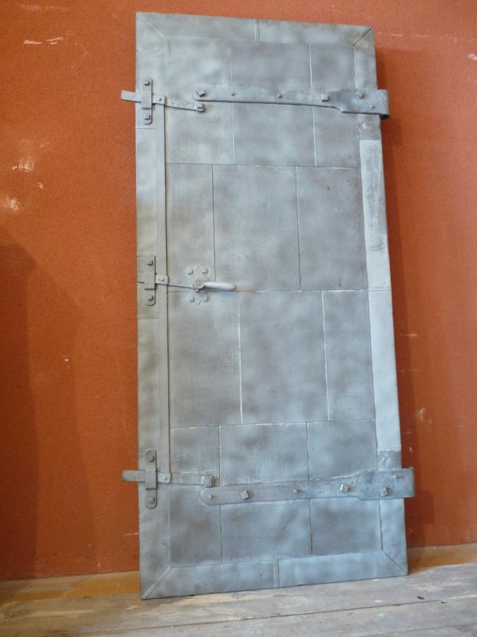 - ANTIQUE DOORS FROM LOIRE MILL