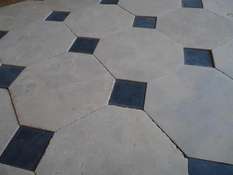 """CATHEDRAL"" limestone cabochon floor: Convincing natural limestone"
