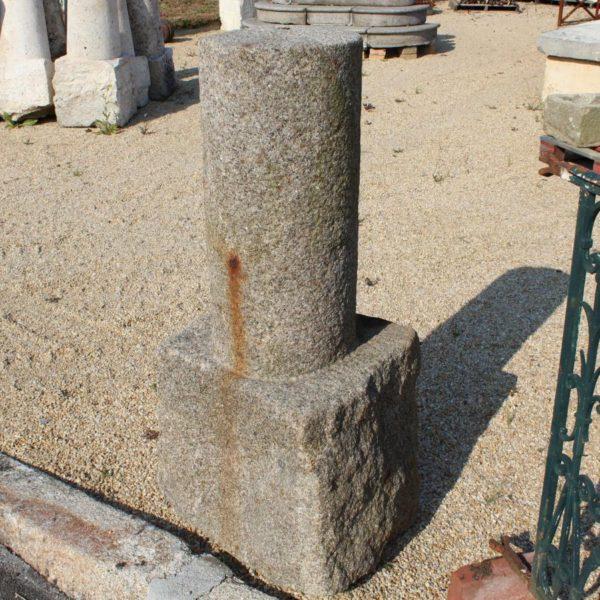 borne granit cylindre