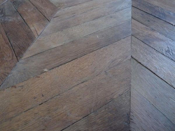 parquet point de hongrie / reclaimed French oak chevron parquet