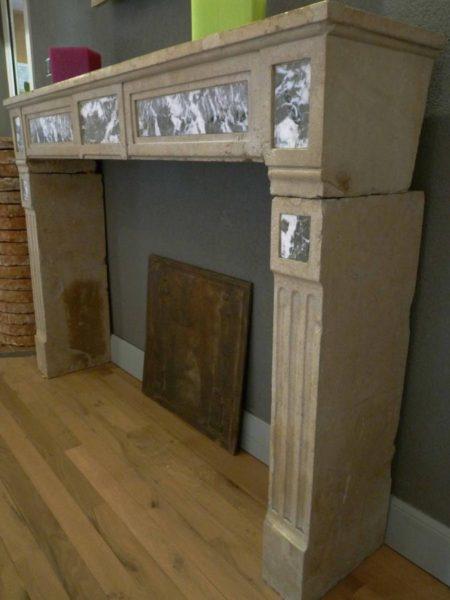 Cheminée ancienne en pierre et marbre Louis XVI