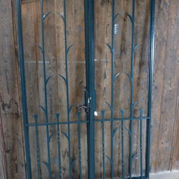 Porte ancienne métallique