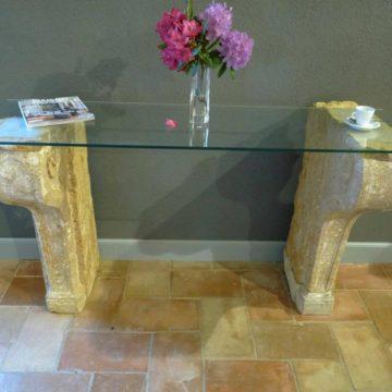 Console en pierre ancienne et plateau verre