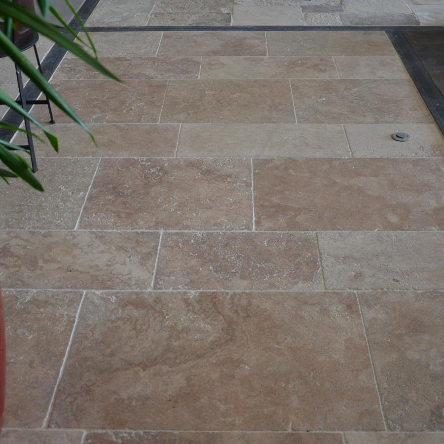 Warm toned aged travertin for Carrelage style ancien