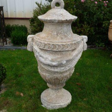 Vase d'ornement à l'ancienne