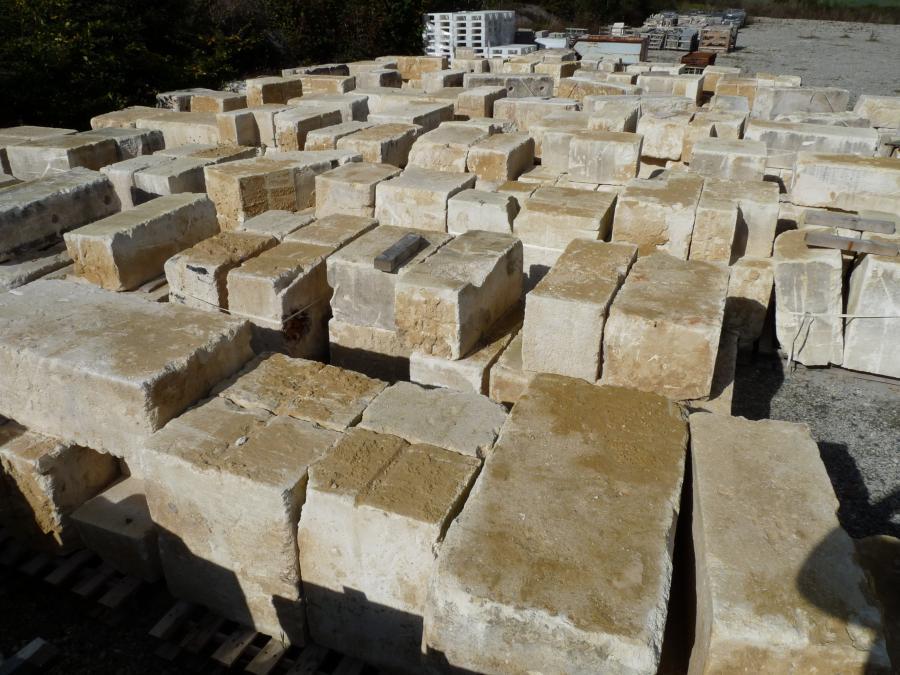 Antique Reclaimed French Limestone Ashlar Blocks Bca