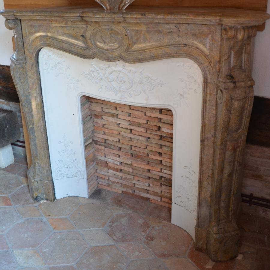 antique french pink marble corner fireplace bca mat riaux anciens