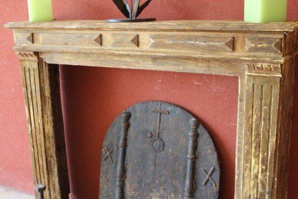 Cheminée ancienne en bois Louis XVI