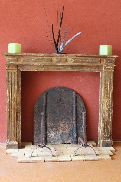 Habillage de cheminée ancienne en bois