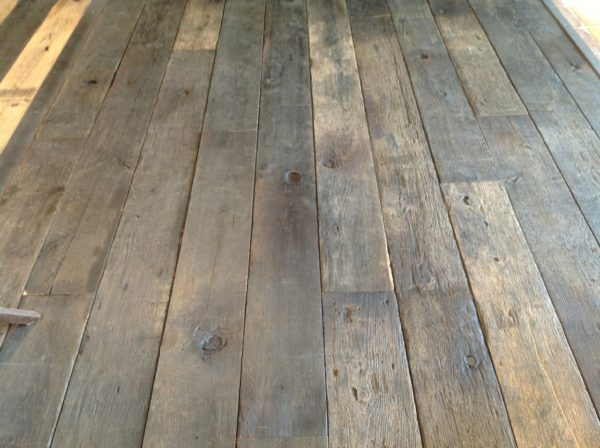 Brushed reclaimed oak wagon boards