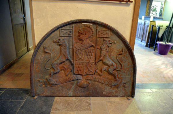 plaque cheminee ancienne en fonte