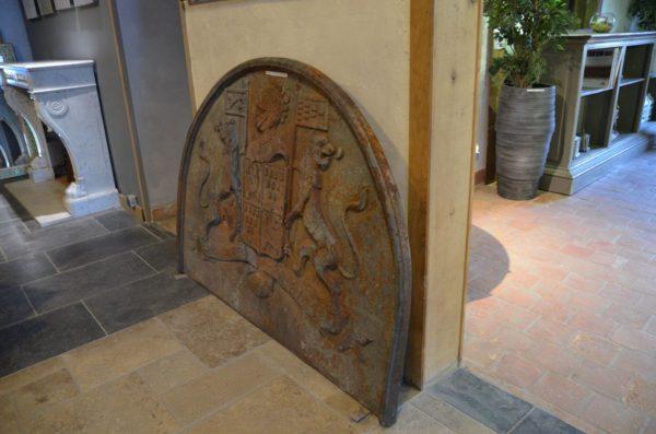 grande plaque de cheminée en fonte