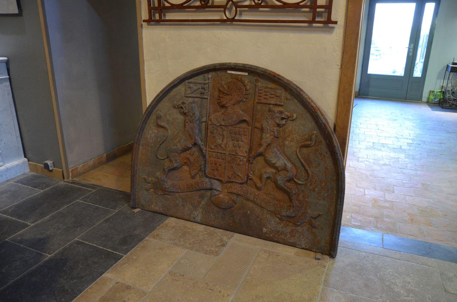 Plaque de cheminee fonte ancienne for Cheminee en fonte ancienne