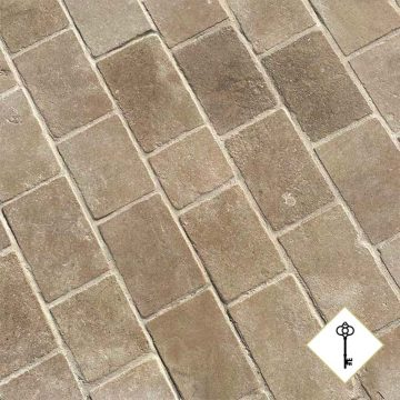 Antique finish of the pavers