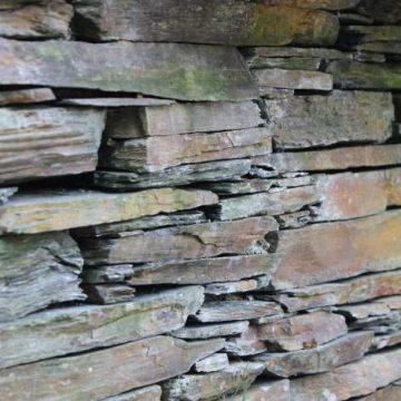 reclaimed schiste walling stone