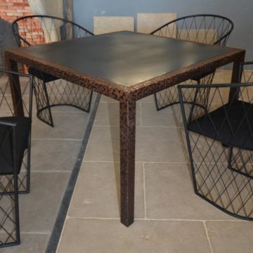 metal table with 4 chairs