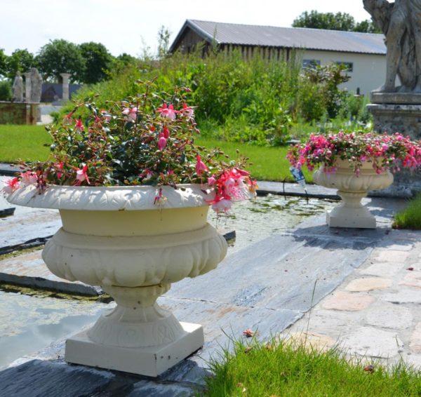 vase ancien en fonte