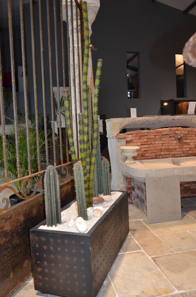 Jardini re de cactus m tal - Jardiniere interieur design ...