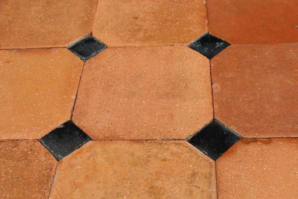 Tomette ancienne octogonale de récupération