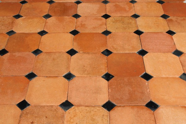 Tomette ancienne octogonale