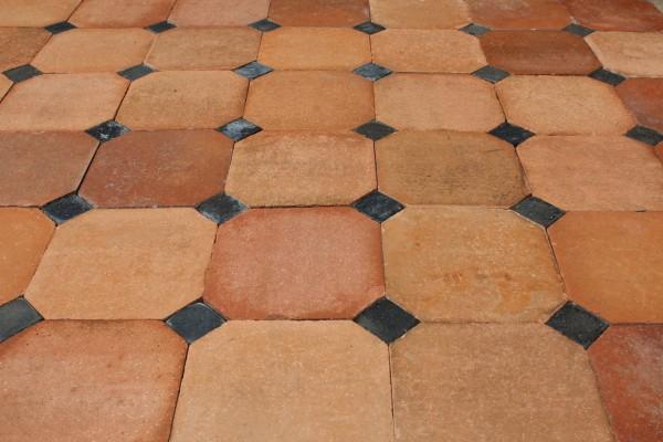 Tomette ancienne octogonale format 20,5x20,5cm