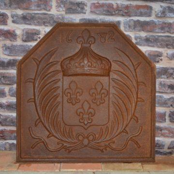 Plaque de cheminée en fonte ancienne