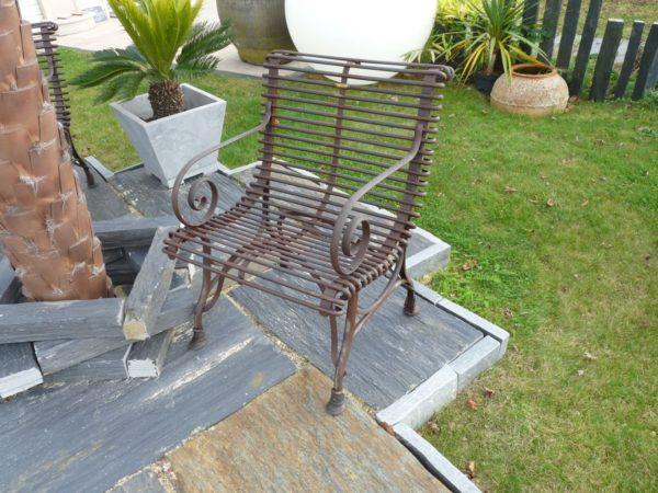 Fauteuil en métal de jardin ancien