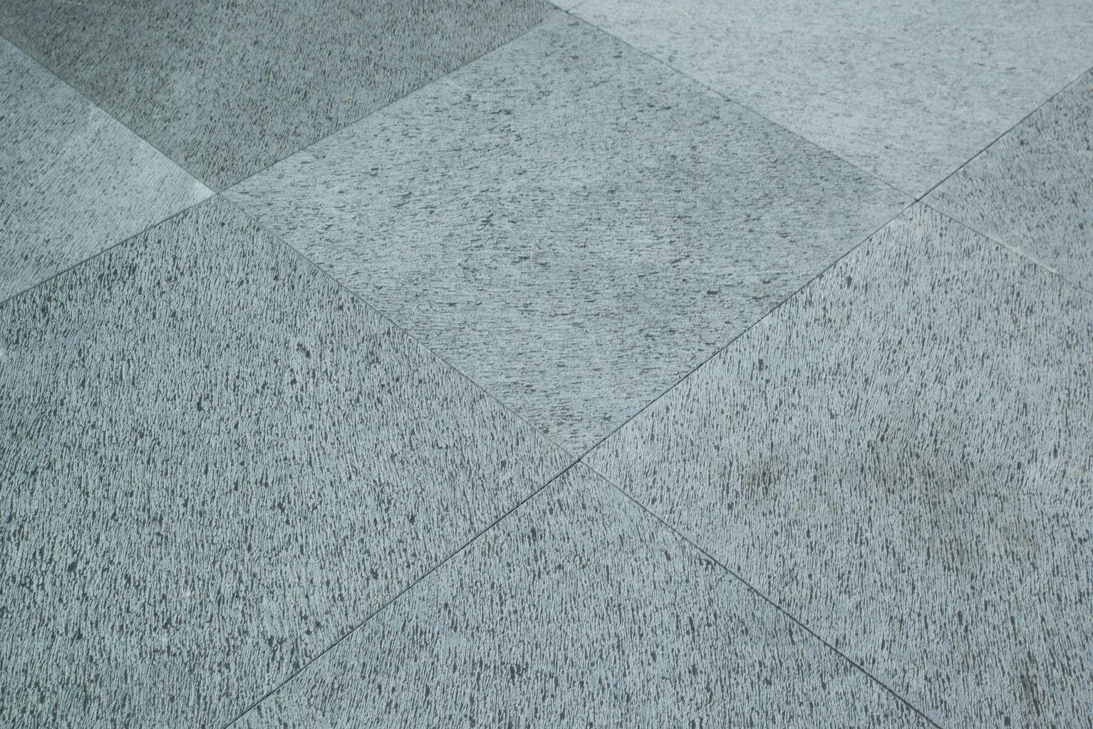 Stone paving in chiseled basalt for Basalt pavers