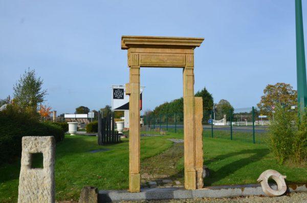 porte entourage pierre calcaire