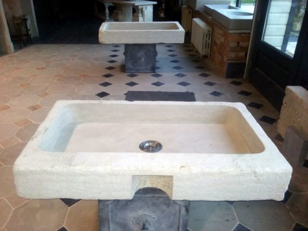 stone sink or wahsbasin in beige color