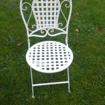 chaise pliante en fer