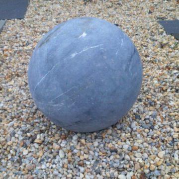 sphère en pierre