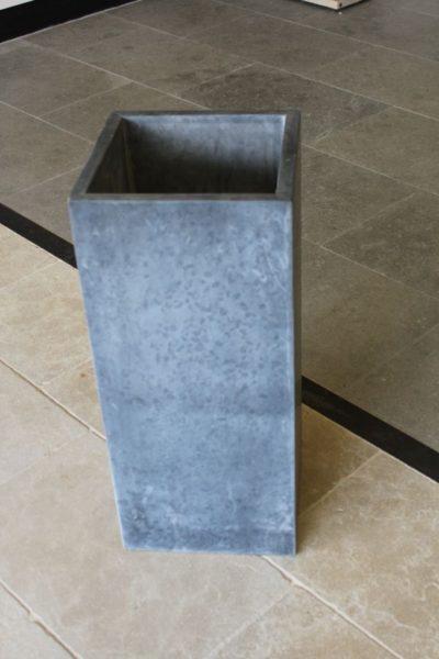 Pot à fleur en pierre naturelle bleue