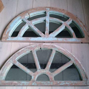 Miroir en bois de sapin