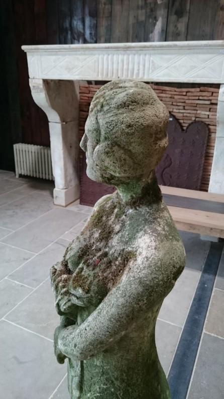 Statue Femme Aux Fleurs