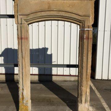 entrée de porte en pierre ancienne