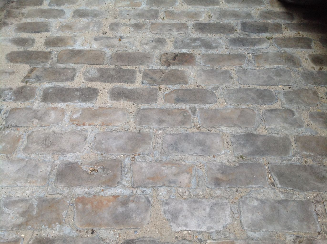 Stone Pavement In Paris : Reclaimed french gritstone setts
