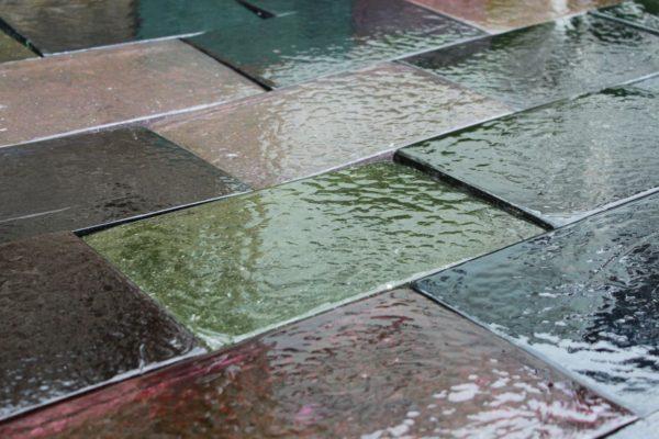 Dalle de verre extérieur multicolore