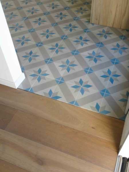 cement tiles with stars in a kitchen