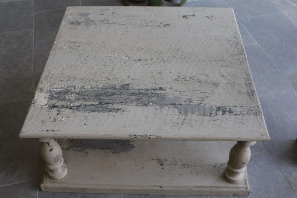 low table with antique and old finition