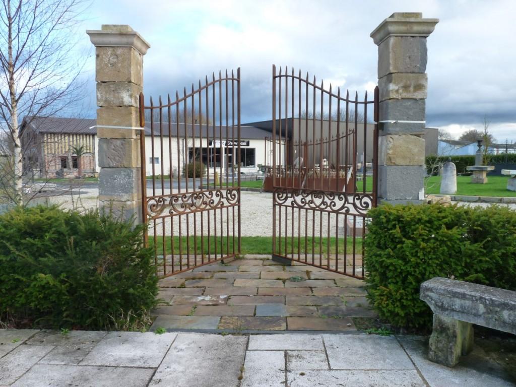 traditional entrance gates. Black Bedroom Furniture Sets. Home Design Ideas