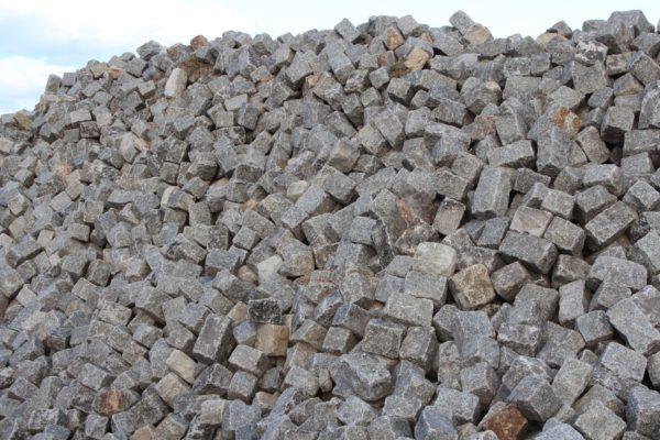 Pavés anciens en granit de Versailles