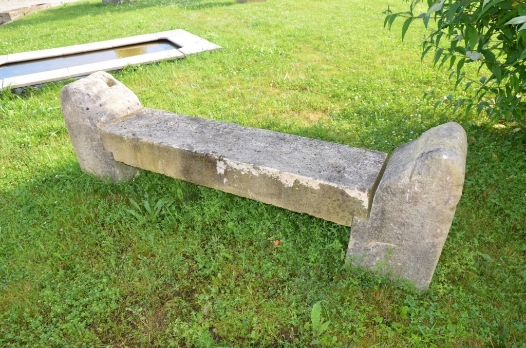 Rustic stone garden bench in antique limestone Stone garden bench